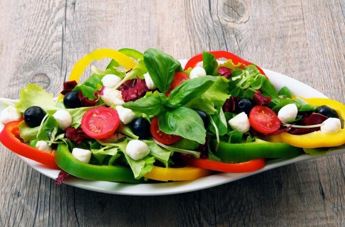 Овощной салат с зеленью